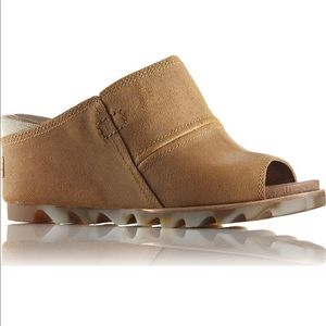 NWT Sorel Suede Upper Mules in Tan Size 10 Wedges